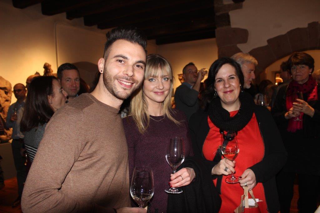 Wine & Dine 4.2 141